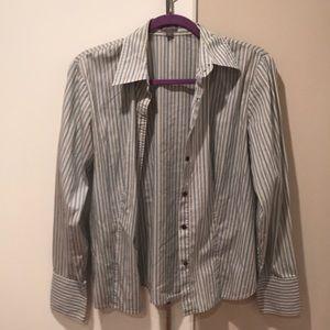 Ann Taylor button down shirt size M